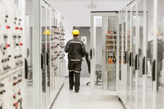 Staying Safe from Head to Toe: Complete Arc Flash Protection
