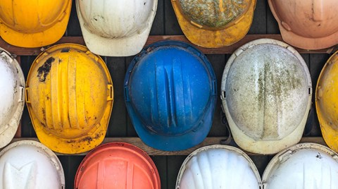 Bump caps and hard hats both protect the head, but they're not used in the same situations. Find out when a bump cap is okay and when you...