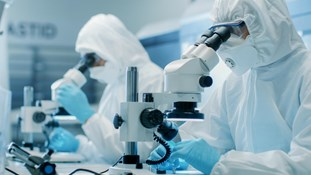 Standards for cleanroom clothing