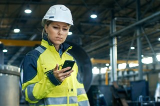 How can digital transformation for manufacturers make a safer, more productive team?