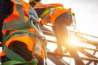 Are all safety harnesses the same or are there important differences to keep in mind?