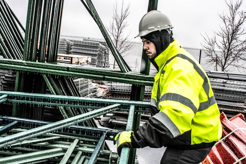 Manage Cold Stress with the Proper Winter PPE