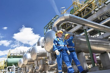 Cut Resistant Gloves for the Oil and Gas Industry