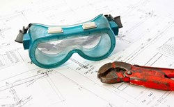 What is the difference between a safety officer and a safety engineer?