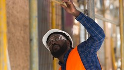 Safety Goggles or Safety Glasses - Which Is Right for Your Job?