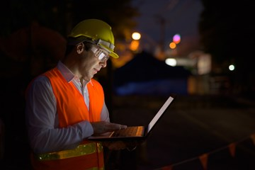 Lone Worker Management: Your Guide to Lone Worker Monitoring Solutions