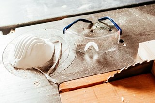 Do disposable respirators need to be fit tested or only reusable half and full face pieces?