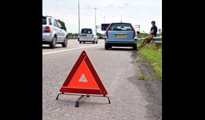 Image for Play It Safe When Stopping on a Hard Shoulder