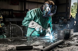 What kind of gloves are best for stick welding?