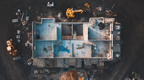 There are simple, cost-effective measures to improve motivation and productivity on construction sites. Here are seven of them.