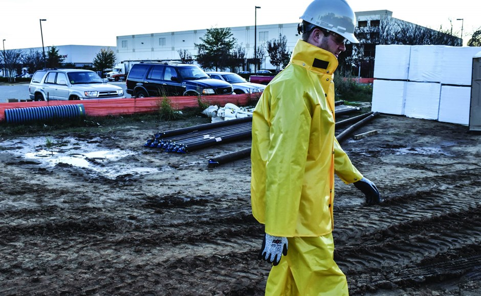 Rainwear is important PPE for outdoor workers